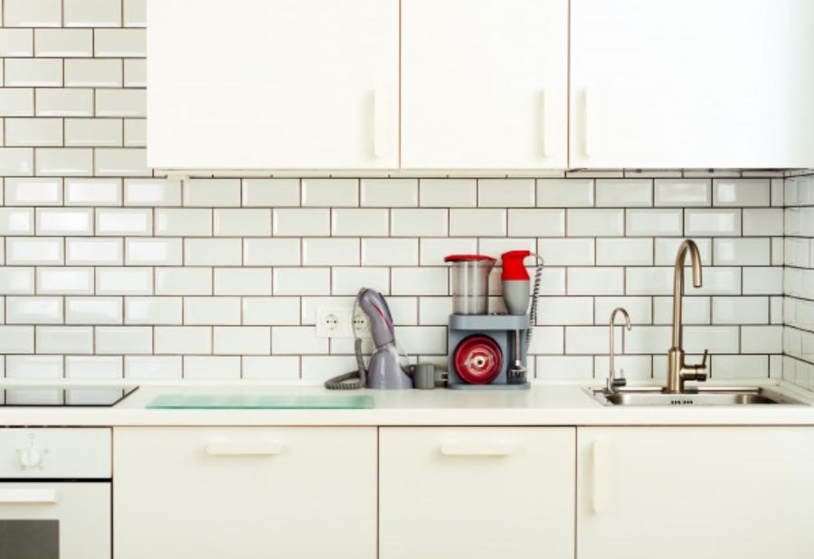 Как оформить рабочую стенку на кухне